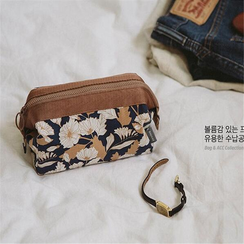 1Pc New Flamingo Cosmetic Bag Women Necessaire Make Up Bag Travel Waterproof Portable Makeup Bag Toiletry Kits High Quality