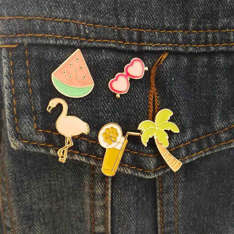 1 PCS Acrylic Badges Flamingo Fruit Brooch Icons on The Backpack Harajuku Badges for Clothing Kawaii Badge Icon on The Pin Broch