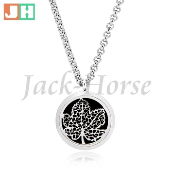Stainless Steel Essential Oil Diffuser Necklace Pendant Perfume Pendant Necklace 30mm Round Aromatherapy Necklace Pendant