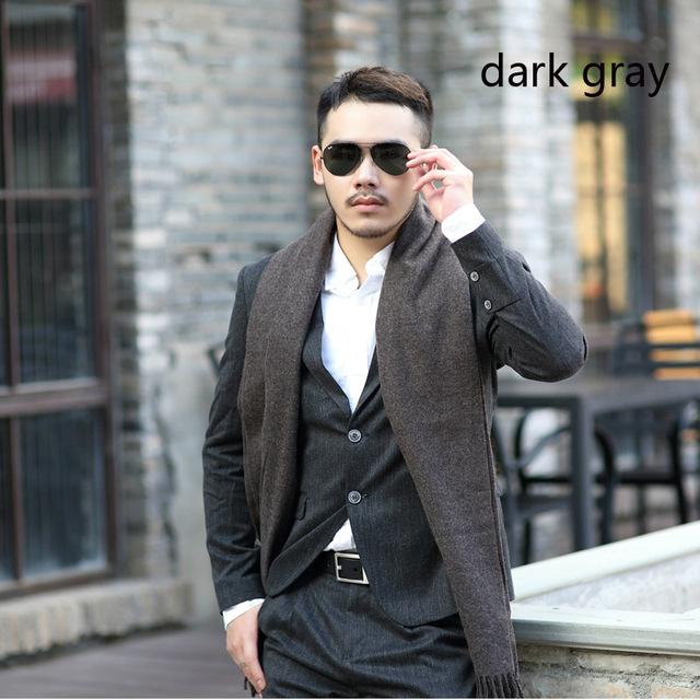 2017 venta Caliente bufandas de lana de invierno cálido color sólido de la borla de calidad superior del negocio versión coreana del todo-fósforo de la bufanda de los hombres