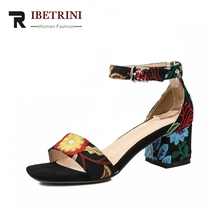RIBETRINI Frauen Knöchelriemen Platz Med Heels Blume Abdeckung Ferse Marke Design Schuhe Frau Casual Sommer Sandalen Große Größe 33-42