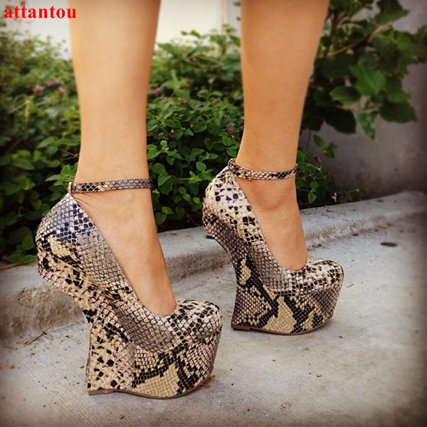 2018 Strange Style Heel sexy snakeskin woman high heels cool platform heels ankle buckle fashion female club party show shoes