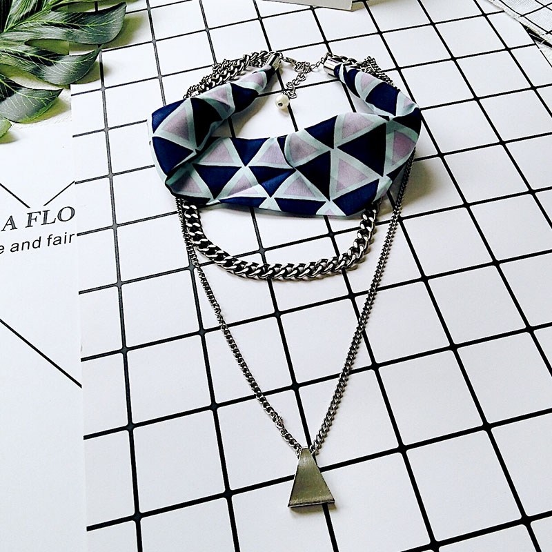 Autumn Winter New Arrival Vintage Geometric Pendant Sweather Chokers Necklaces For Women Scarves Chain Design Personality Choker