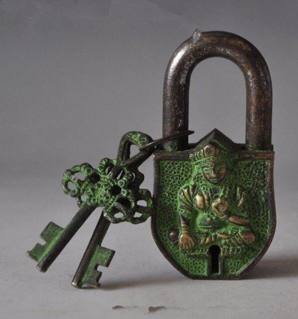 Sculpture en bronze du bouddhisme chinois du Tibet, grande serrure et clé en tara blanche
