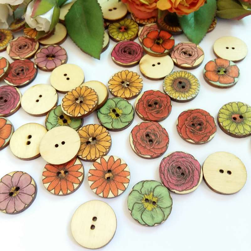 10 X WOODEN CRAFT SEWING BUTTON 20MM FLOWER OR STRIPES EMBELLISHMENT