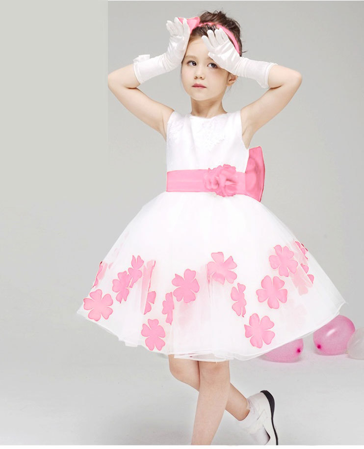 999028cedbb 2015 Korean Style Cute Sleeveless Bow Flower Princess Wedding Girl Dress  Round Collar Princess Robe With Free Shipping-in Dresses from Mother   Kids  on ...