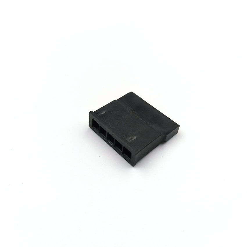 SATA_5Pin_female_connector_housing_3