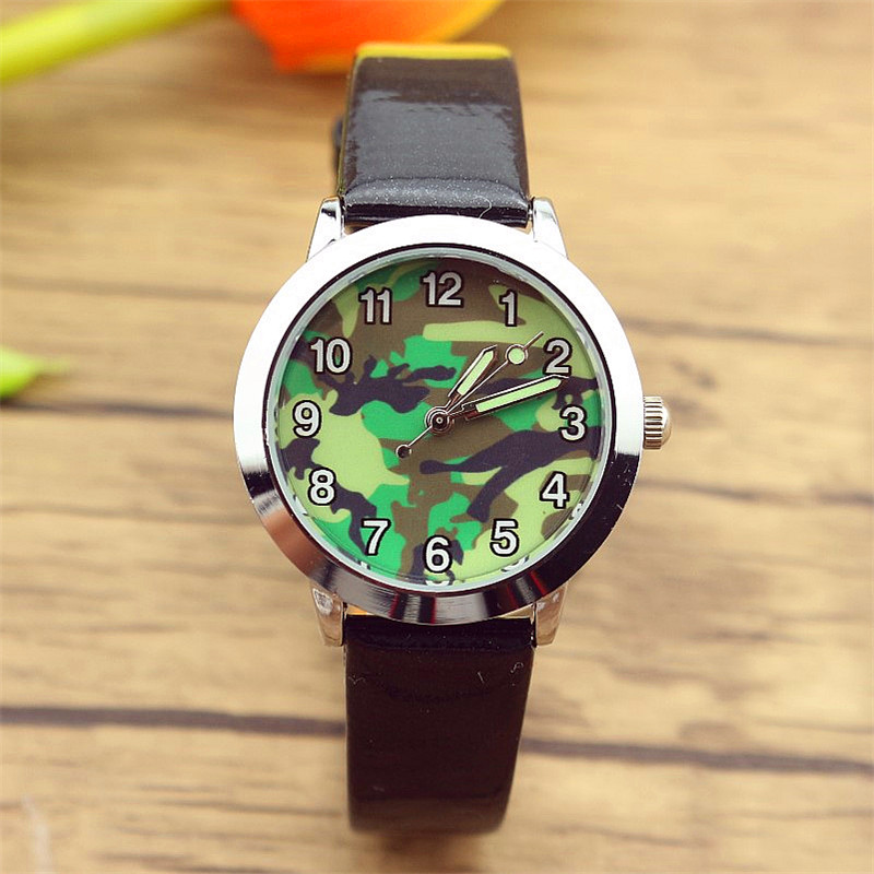 Free Shipping Little Student Outdoor Camouflag Dial Sports Watch Boys And Girls Colorful Leather Quartz Luminous Hands Rajzfilm
