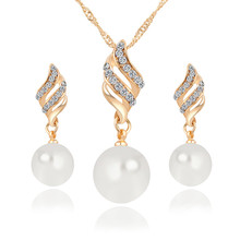2018 Fashion Pearl Jewelry Sets Women Imitation Golden Crystal Earrings Necklace Set Wedding Accesso