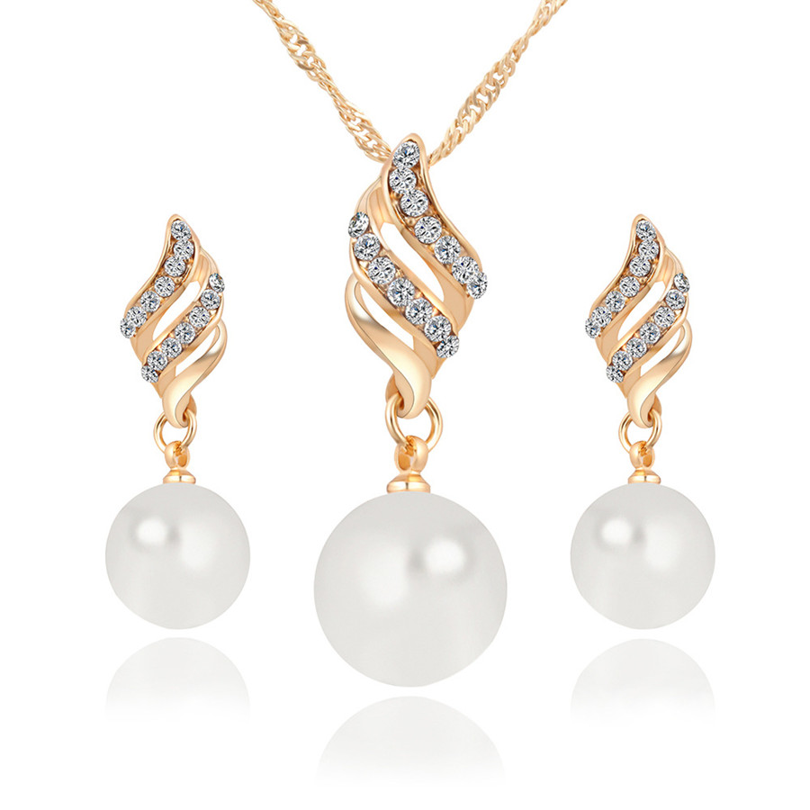 2018 Fashion Pearl Jewelry Sets Women Imitation Golden Crystal Earrings Necklace Set Wedding Accessories Jewellery Indian Jewelr