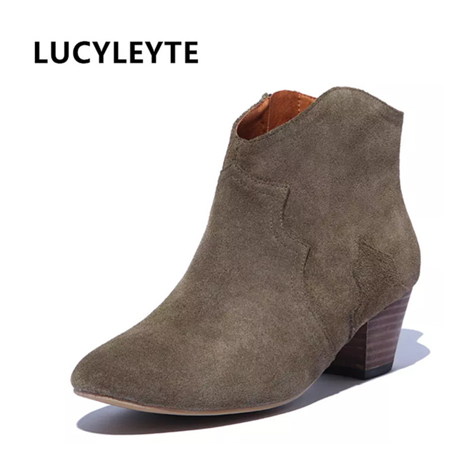 2016 offre spéciale les nouvelles chaussures pour femmes de haute qualité taille 34 42 en cuir épais talon dames chaussures de marche et baskets livraison gratuite-in Bottines from Chaussures    1