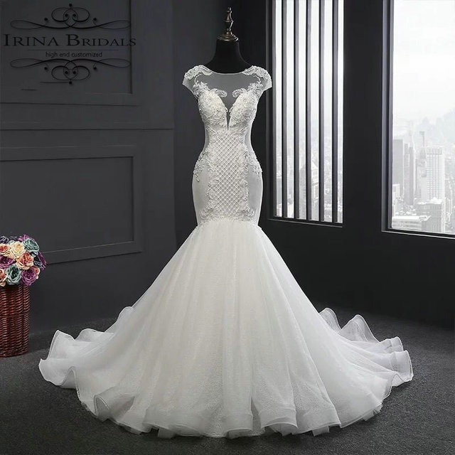 Robe Dentelle Cap Sleeve Lace Appliques Beading Keyhole Back Wedding Dress