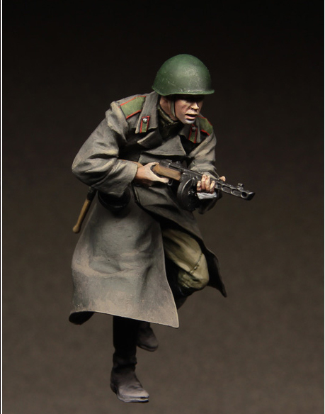 Free Shipping 1/35 Scale Unpainted Resin Figure WW2 berlin Russian soldier collection figure
