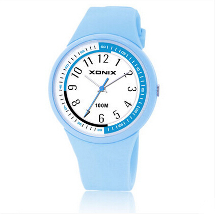 Varm!!! TOP Fashion Women Klockor Vattentäta 100 meter Ladies Gelé Quartz Watch Baddykning Klocka Montre Femme