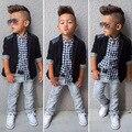 Primavera Otoño Niños Niños Juegos de Ropa Baby Boys Suit Set Negro Capa de la chaqueta + Camisa A Cuadros + Pantalones de Mezclilla 3 unids Ropa de Los Cabritos conjunto