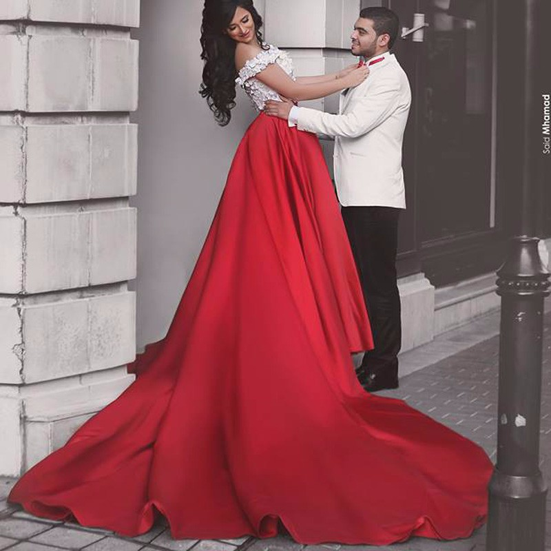 Custom Red 2 Piece Prom Dresses Sweetheart White Petals Decoration  Cathedral Royal Trailing Prom Dress Formal Evening Gowns-in Prom Dresses  from Weddings ... 4ef1b07914ed