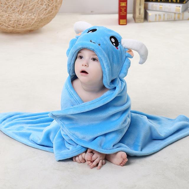 Hotsale moda toalla animal del bebé de franela lindo bebé albornoz