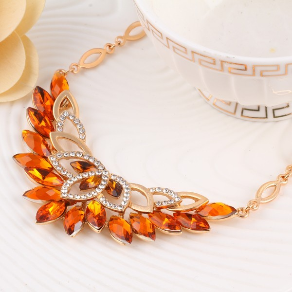 Wedding 3 Color Crystal Flower Jewelry Set Necklace and Earrings