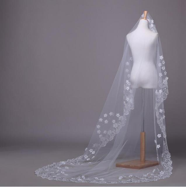 2016 New Veil Wedding Dress Bridal Gown Appliqued Lace Edge Beads Ivory Tulle One Layers Without Comb Cheap 3 Meters