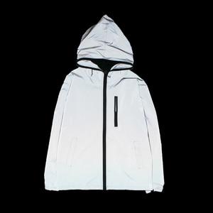 Image 2 - Uplzcoo Светоотражающая куртка для мужчин/женщин harajuku ветровка с капюшоном в стиле хип хоп Уличная Ночная блестящая куртка на молнии JA244