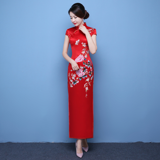 118bbe6f2 2018 Fashion Sexy Qipao Embroidery Cheongsam Red Traditional Chinese Style  Spring Dress Robe Oriental Collars Chino Tradicional