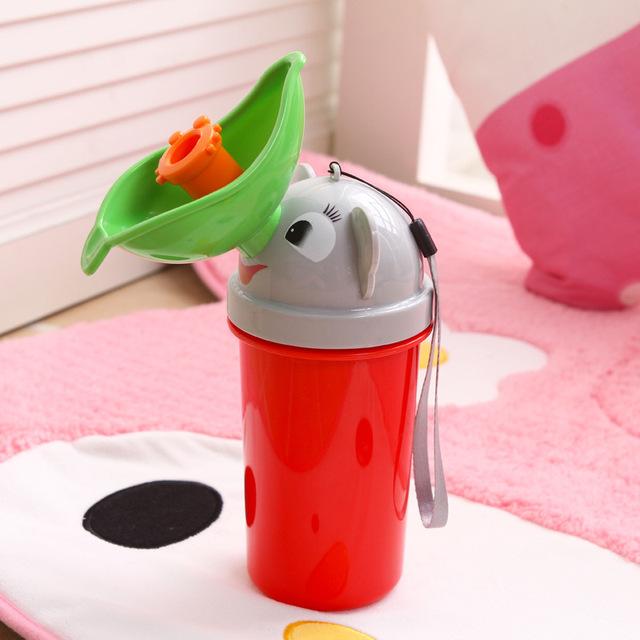2016 Novo estilo de Bebê higiênico Bebê mictório urina dispositivo Conveniente portátil Bonito da moda armário de água
