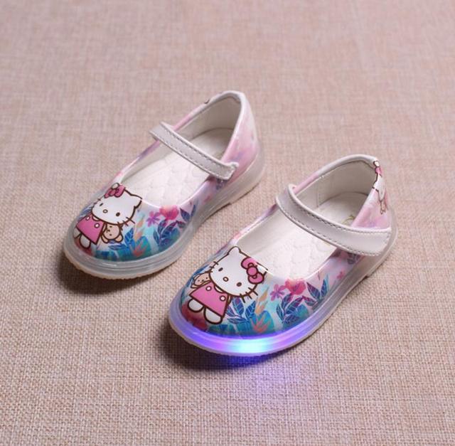Lindo bebé de la muchacha causal zapatos flash LED precioso hello kitty iluminado zapato plano para 1-6yrs niñas kid noche multicolor zapatos
