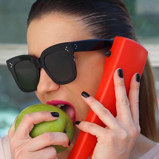 2018 Kim Kardashian Sunglasses Lady Flat Top Eyewear Lunette Femme Women Luxury Brand Sunglasses Women Rivet