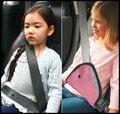 2016 BABY PINK Niños Niños Triángulo Safety Car Auto Del Cinturón de seguridad Cinturones de seguridad Cubierta De Ajuste Clip Infantil Posicionador Protector de Arnés
