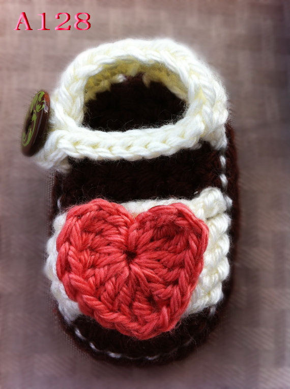 Best selling! Crochet Baby Sandals, Baby sandals woven Heart-shaped, Crochet Baby Shoes, Sizes 0-12 Months