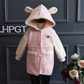 2016 Crianças Meninas Inverno Outwear Moda Inglaterra Estilo Single-breasted casaco de Camurça de pele de Carneiro Com Capuz Crianças Casacos & Coats Para 2-8A