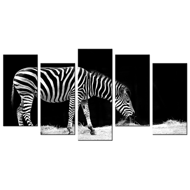 Zwart wit dier schilderij zebra grazen hd gedrukt op canvas muur zwart wit dier schilderij zebra grazen hd gedrukt op canvas muur decor 5 panelen mural thecheapjerseys Gallery