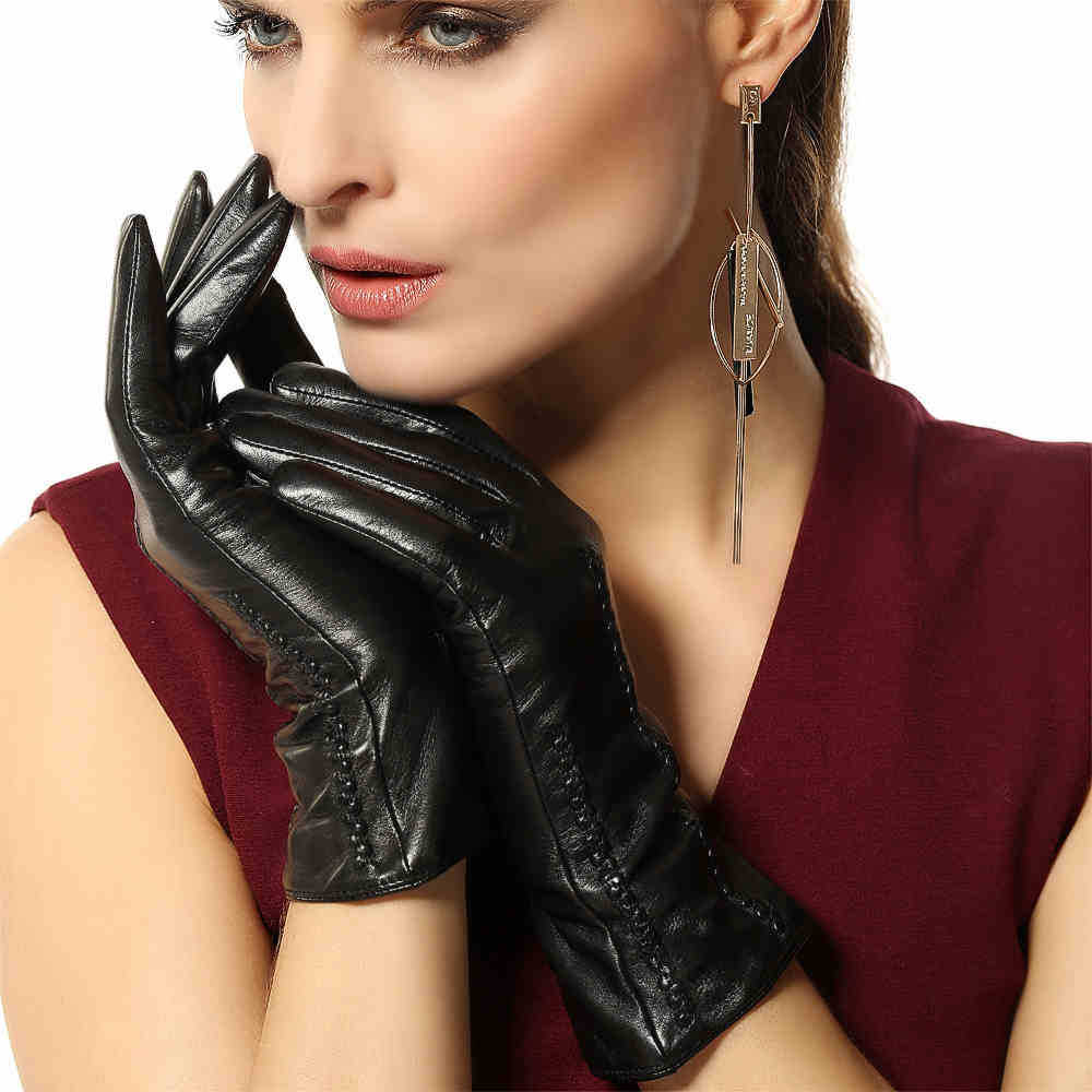 Black leather gloves female - Classic Black Women Genuine Leather Gloves Autumn Winter Plus Velvet Fashion Full Finger Real Goatskin Gloves L029nc In Gloves Mittens From Women S