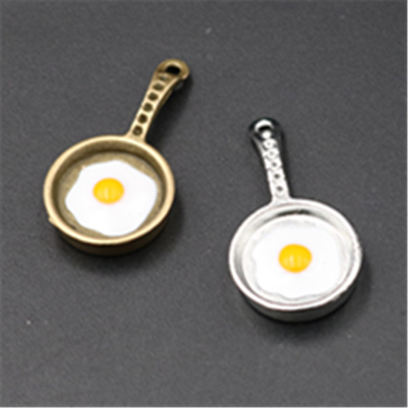 GC717 10 Frying Pan Charms Antique Gold Tone