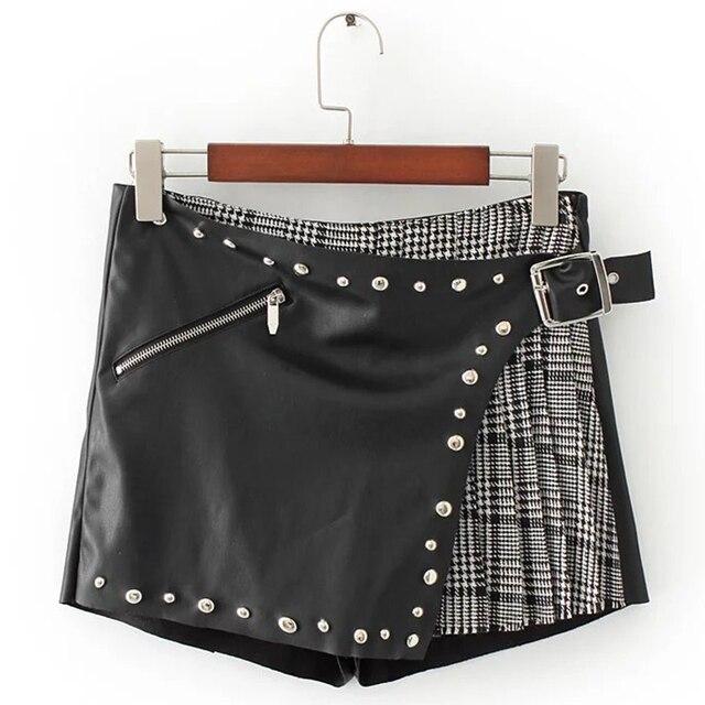 2017 nueva primavera de La Moda Shorts Mujeres Negro zipper fly plaid Shorts Ladies drapeado remache Cuero de LA PU de empalme Pantalones Cortos Femme