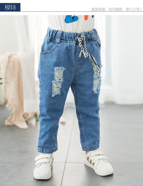 2016 primavera e outono parágrafo meninos jeans calças crianças solto cartas selvagens calças de brim do furo infantil para 2 - 7 T