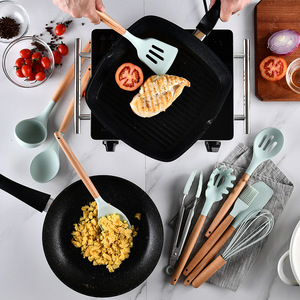 Image 4 - 12 adet Set ev silikon ahşap pişirme gereçler mutfak araçları seti Koken Gereedschap Met Opbergdoos Turner Tang Spatel Turner