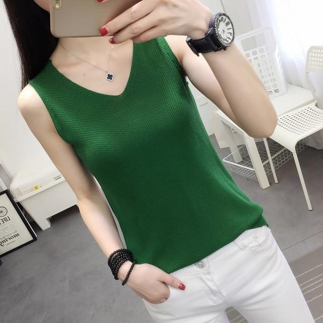 2019 new vest outside loose inside take han edition v-neck knitting women sleeveless T-shirt render unlined upper garment jacket