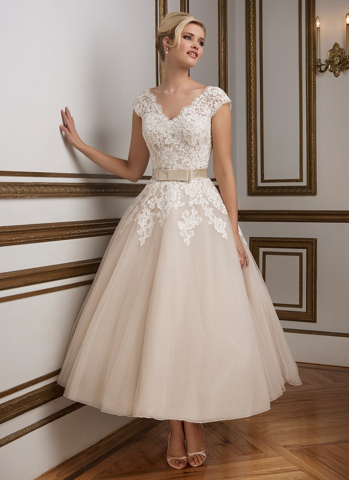 24249f47092 2016 Vintage Cheap Wedding Dresses Short A Line Plus Size Organza Lace  Applique Cap Sleeve Tea Length Simple Bridal Gowns-in Wedding Dresses from  Weddings ...
