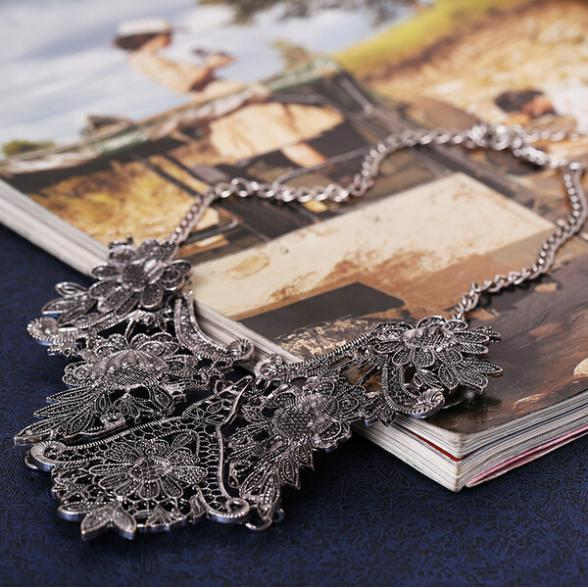 Vintage Tibet Silverpläterad Flower Hollowed Statement Bib Chain - Märkessmycken - Foto 4