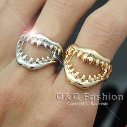 Chic Shark Tooth Skull Hell Demon Mouth Finger Ring Goth Emo Punk Fancy Dress Jewelry New tooth <font><b>wholesale</b></font> <font><b>lots</b></font> <font><b>bulk</b></font> Trendy image