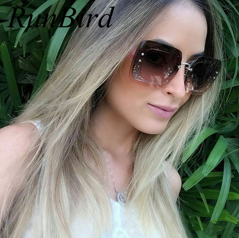 Latest Fashion Sunglasses Women Flat Top Style Brand Design Vintage Sun glasses Female Shiny Rivet Shades Big Frame Shades R588