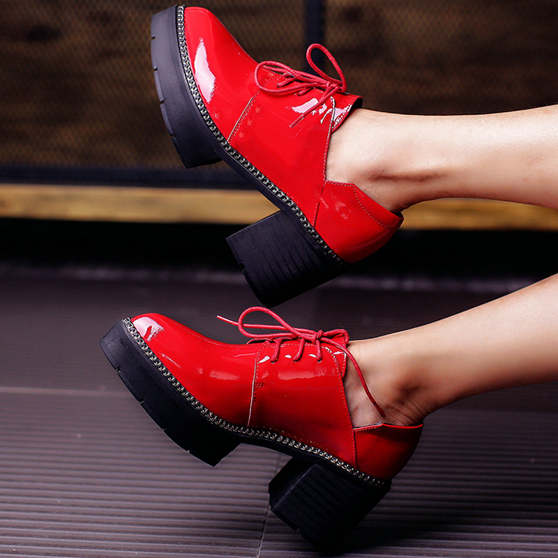 ФОТО AIWEIYi 2017 Women's Pumps Genuine Leather Fashion Elegant Pointed Toe Lace up Thick High Heels Patent Leather Red Wedding Shoes