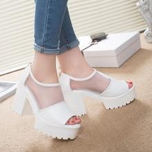 Популярные летние Сандалии Кружева Повседневная Блок каблуки сетка на платформе открытый носок в Корейском стиле пикантная женская обувь черный, белый