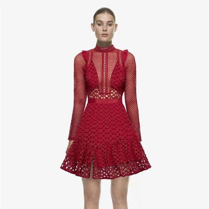 aaf7abcf0 Yilin Kay de gama alta Mujer Vestidos de Fiesta mujeres sexy 2017 estilo de  otoño pista de moda ahueca hacia fuera el rojo del cordón vestido en  Vestidos de ...