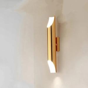 Image 1 - Современная настенная лампа золотого цвета в скандинавском стиле, минималистичный роскошный стиль, дизайнерская модель, фон для гостиной, Настенная прикроватная лампа для спальни