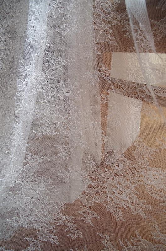 1 yard chantilly kanten stof, bruids kant stof met retro jacquard - Kunsten, ambachten en naaien