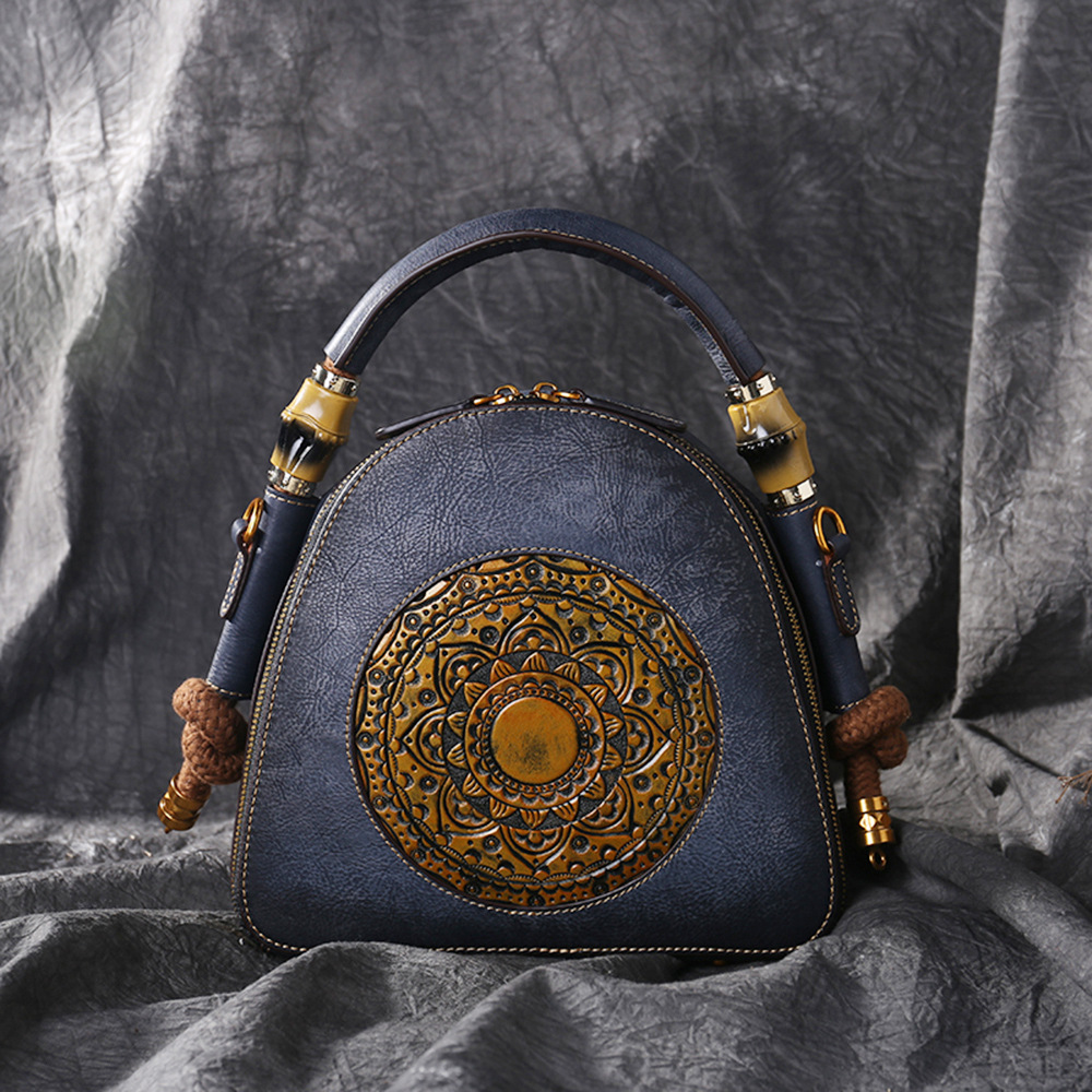 Chinese Style 2019 Vintage Women Handbags Cow Leather Messenger Shoulder Bag Embossing Pattern Flower Bags  Unique Design Chinese Style 2019 Vintage Women Handbags Cow Leather Messenger Shoulder Bag Embossing Pattern Flower Bags  Unique Design