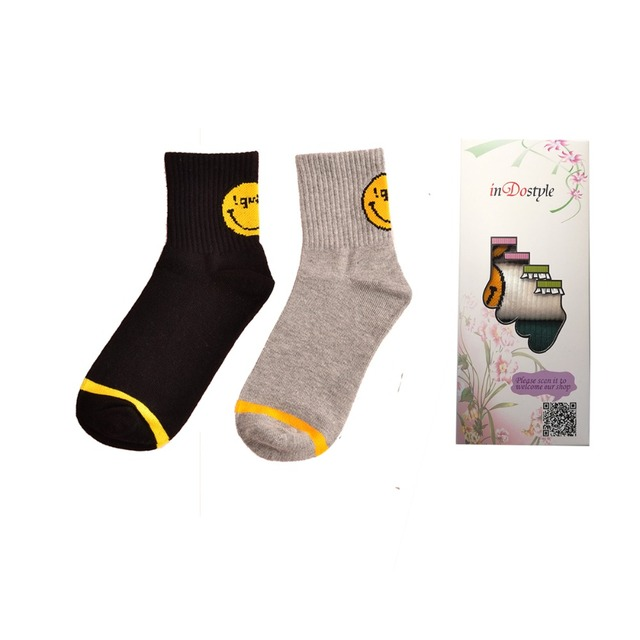 1007684c69a 5 pairs of korean harajuku emoji smiling face Sock Skate Art long cotton  socks ladies women brand socks wholesale smi01
