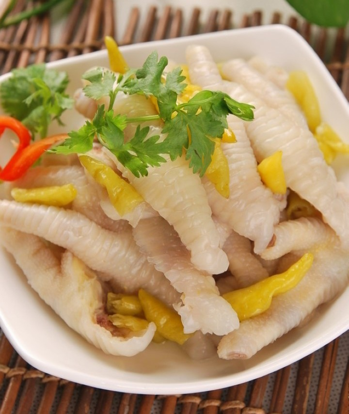 Wow Delicious Healty Chinese Food10 Pcs Pepper And Hot Chicken Feet